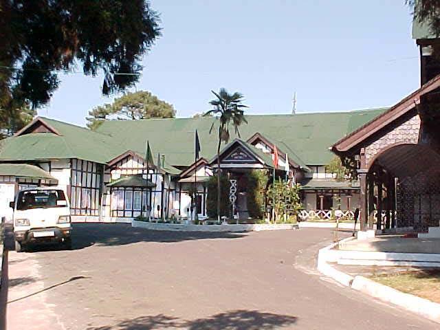 Hotel Pinewood, Shillong
